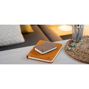 Tmavě hnědá malá LED stolní lampa ve tvaru knihy Gingko Booklight